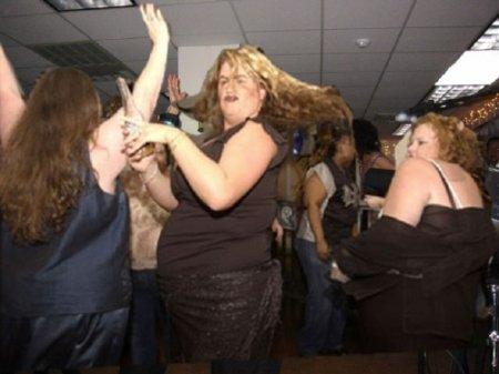 В США открывают ночные клубы для толстяков