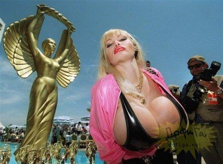 Порнозвезда Лоло Феррари. В бюсте счатье?