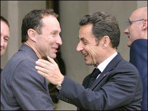 Премьер-министр Ирландии Брайан Коуэн извинения Саркози отклонил и готов к дипломатическому скандалу