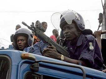 В полицию Сьерра-Леоне стали брать десятилетних мальчиков