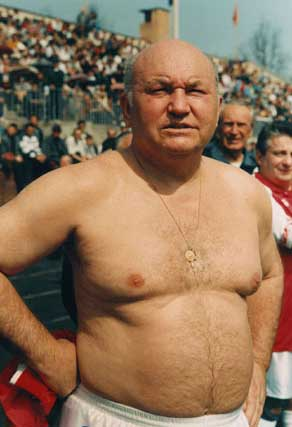 Необычные фото Лужкова(3 фото)