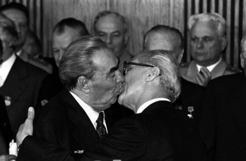 Назад в СССР :  Л.И.Брежнев