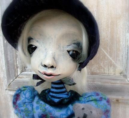 Поможем найти доктора автору кукол?