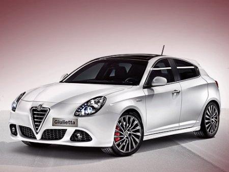 Итальянцы обнажили формы хэтчбека Alfa Romeo Giulietta