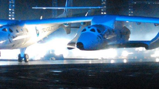 SpaceShipTwo – первые живые фото пассажирского космического корабля
