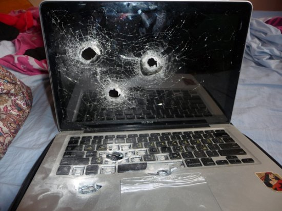 "������� ""����-����"" MacBook"