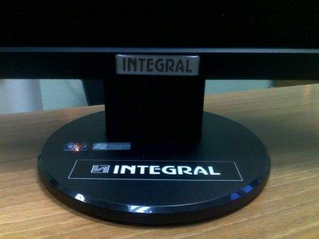 Импортозамещение по-белорусски: «Интеграл» заклеивает логотип Acer и продает мониторы под своим именем