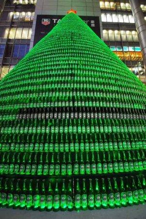 Самая большая пивная елка