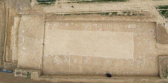 Археологи раскопали гробницу легендарного китайского правителя Цао Цао