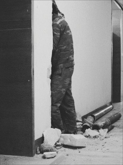 ELIO | Black & White