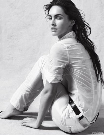 Megan Fox в рекламе Armani