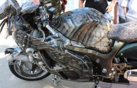 Suzuki Hayabusa переделали в Мотоцикл-Хищник