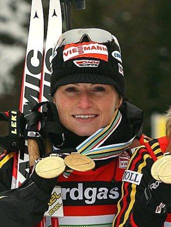 Хенкель выиграла гонку преследования