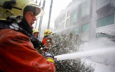 Бельгийские пожарные устроили шоу