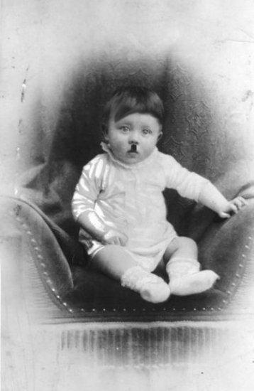 Угадаете, кто этот милый ребенок ?