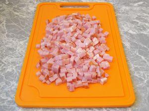 Фаршированные блины, запеченные с ветчиной и сыром