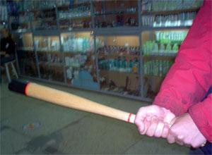 Американец разбил 29 телевизоров бейсбольной битой