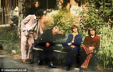 """Опубликованы неизвестные фотоснимки """"The Beatles"""""""