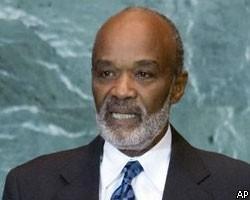Президент Гаити сообщил о 300 тыс. погибших при землетрясении