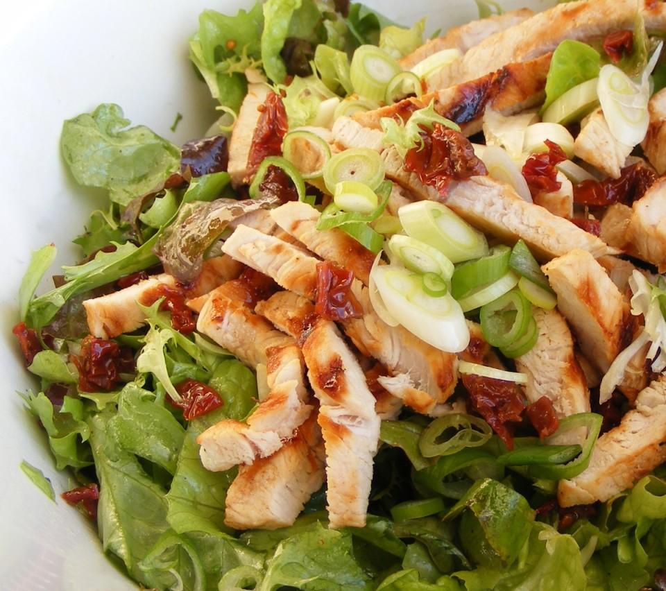 Салат с курицей без майонеза с