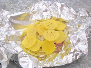 Свинина с грибами и картофелем, запеченная в фольге