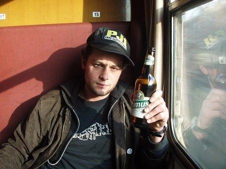 Запрет на распитие пива распространится и на пассажирские поезда