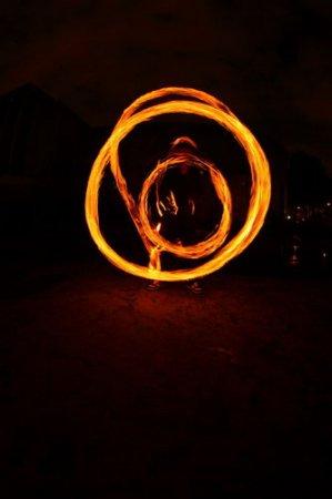 Красивое огненное шоу