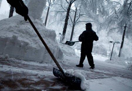 Вашингтон завалило снегом