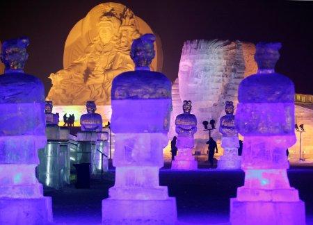 Скульптуры из снега и льда в Китае