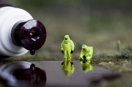 Маленькие человечки борются со злом