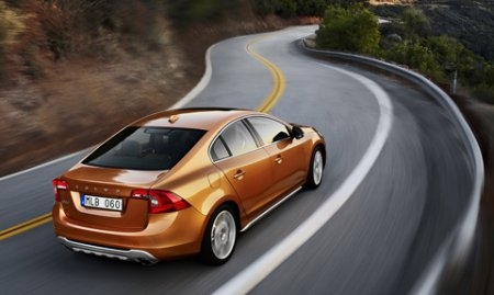 Накануне женевского дебюта шведы расхвалили новый седан Volvo S60