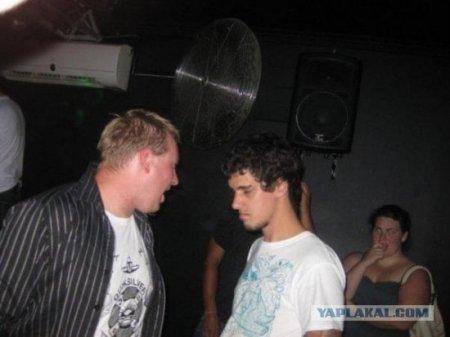 Парни! Осторожнее с выпивкой на дискотеках!