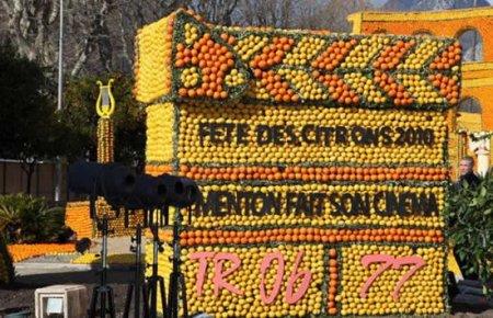 Фестиваль лимонов 2010 в Ментоне