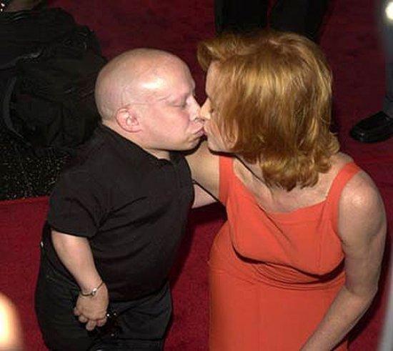 Vern Troyer и его женщины