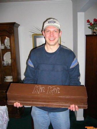 Гигантский Kit Kat