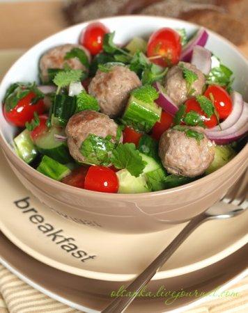 Ливанский салат с кюфтой