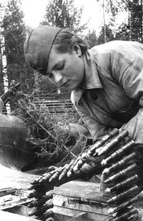 Назад в СССР : женщины на войне