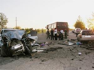 Россия: ГИБДД использовало машины водителей как живой щит