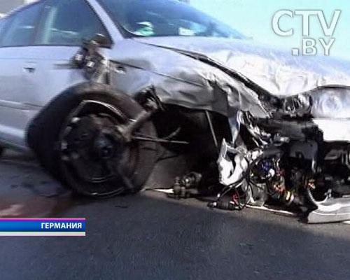 На германском автобане столкнулись около 200 машин