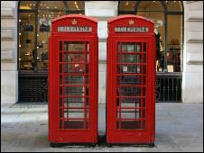 Британские школьники считают, что телефон изобрела королева