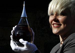 Старейшего в мире виски хватит только на 54 полных графина!