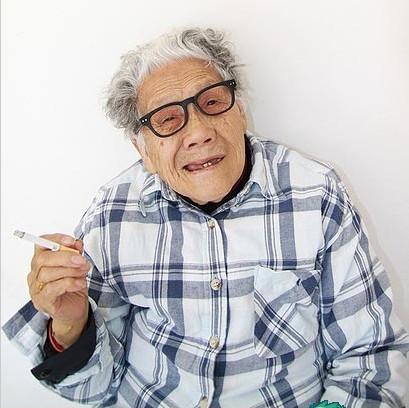 Крутая бабулька