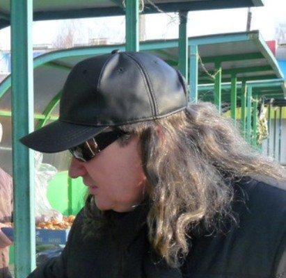 Президент Чувашии маскируется с помощью женского парика