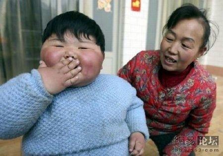 Толстая девочка