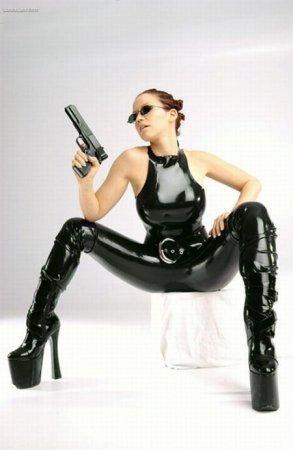 Девушки с SHOT Show 2010