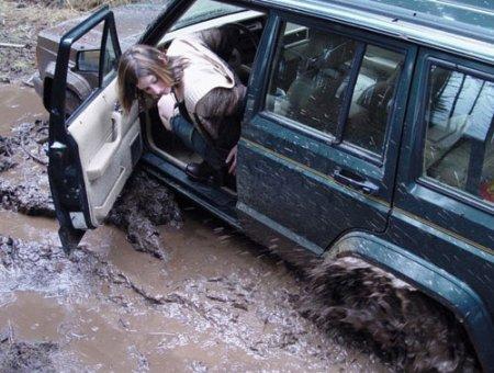 В ГАИ увеличилось число обращений от облитых грязью пешеходов