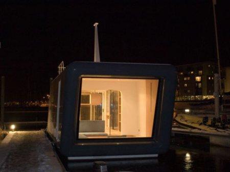 H2Office - уютный плавающий домик