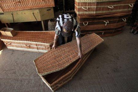 Плетеные гробы