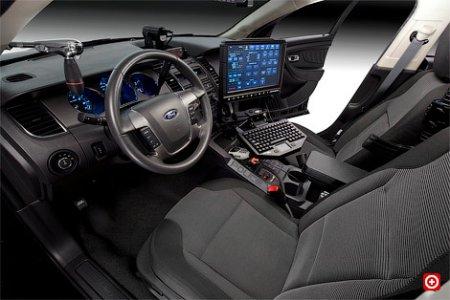 Ford представил новый автомобиль для американской полиции