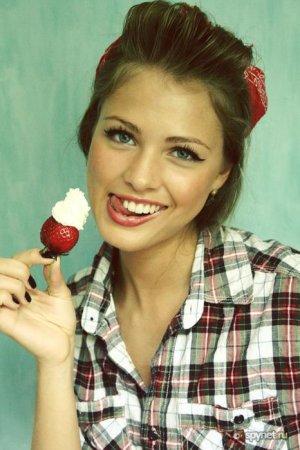 Девушки и сладости